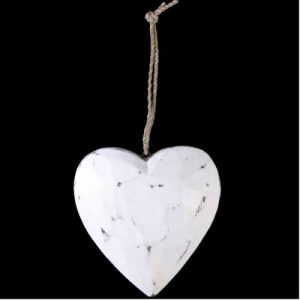 Wooden hanging heart – Small. 17x10 cm