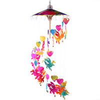 childrens garden dragon and hearts mobile chime 70cm. ferailles.co.uk