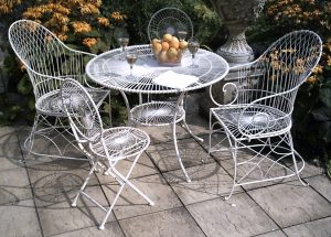 Grandad Antibe Table Chair Set
