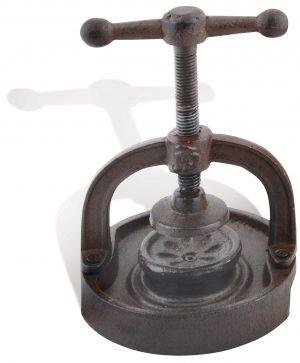 Ferailles Xmas Cast Iron Serious Nut Cracker