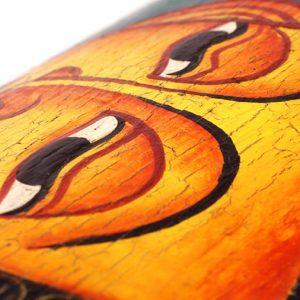 famous-thai-crackled-paint-finish