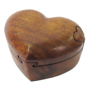 wooden-heart-puzzle-box