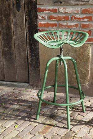 living-green-adjustable-tractor-stool